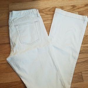 Gap White Denim Jeans. Size 8/29L.